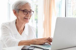 Senior searching for senior independent living homes.